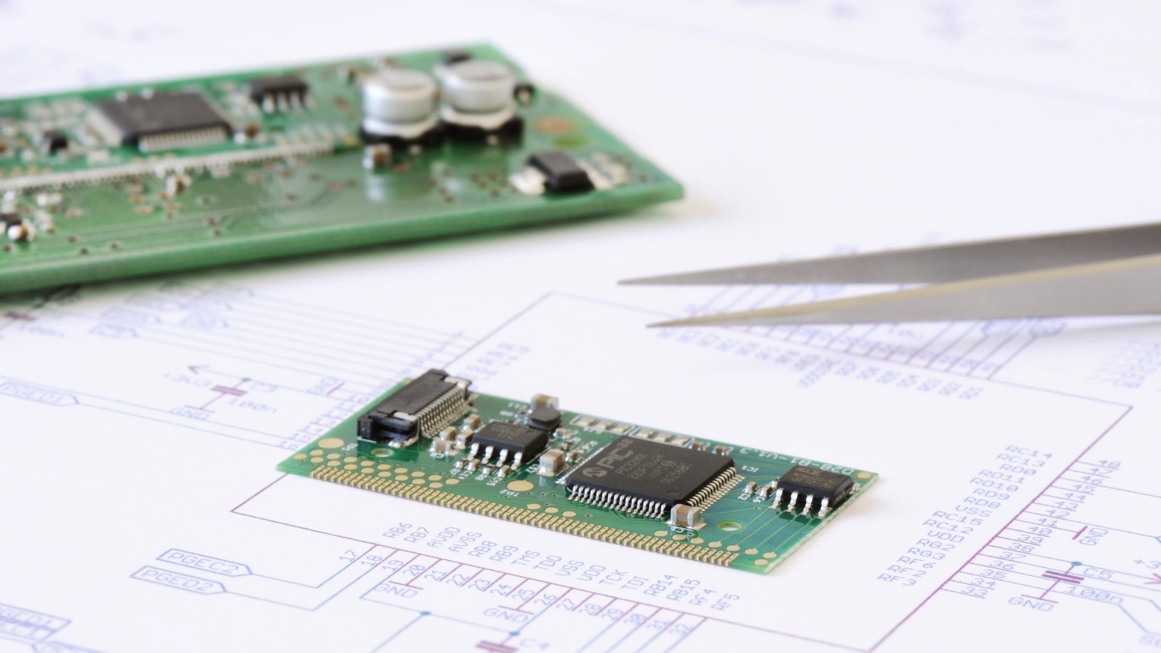 Progettazione e realizzazione di scheda elettronica SAVIX